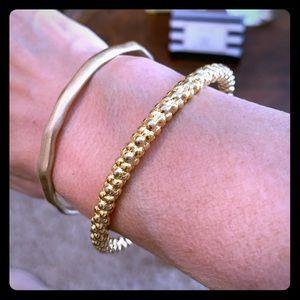 Beautiful Gold Bangle Bracelet!